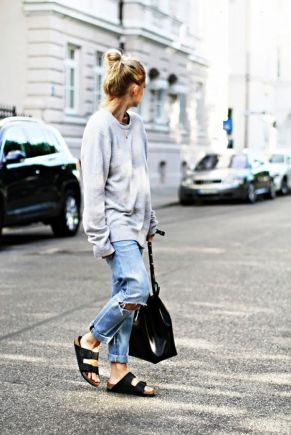 Baggy sweatshirt-street look
